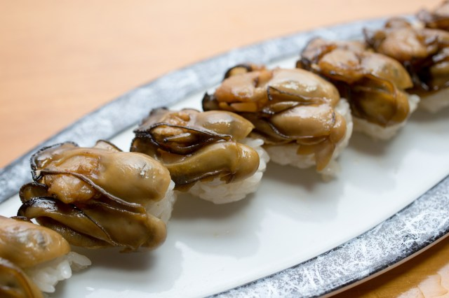 Hasil gambar untuk oyster sushi